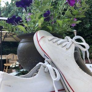 SALE❗️VTG 90s Sneakers